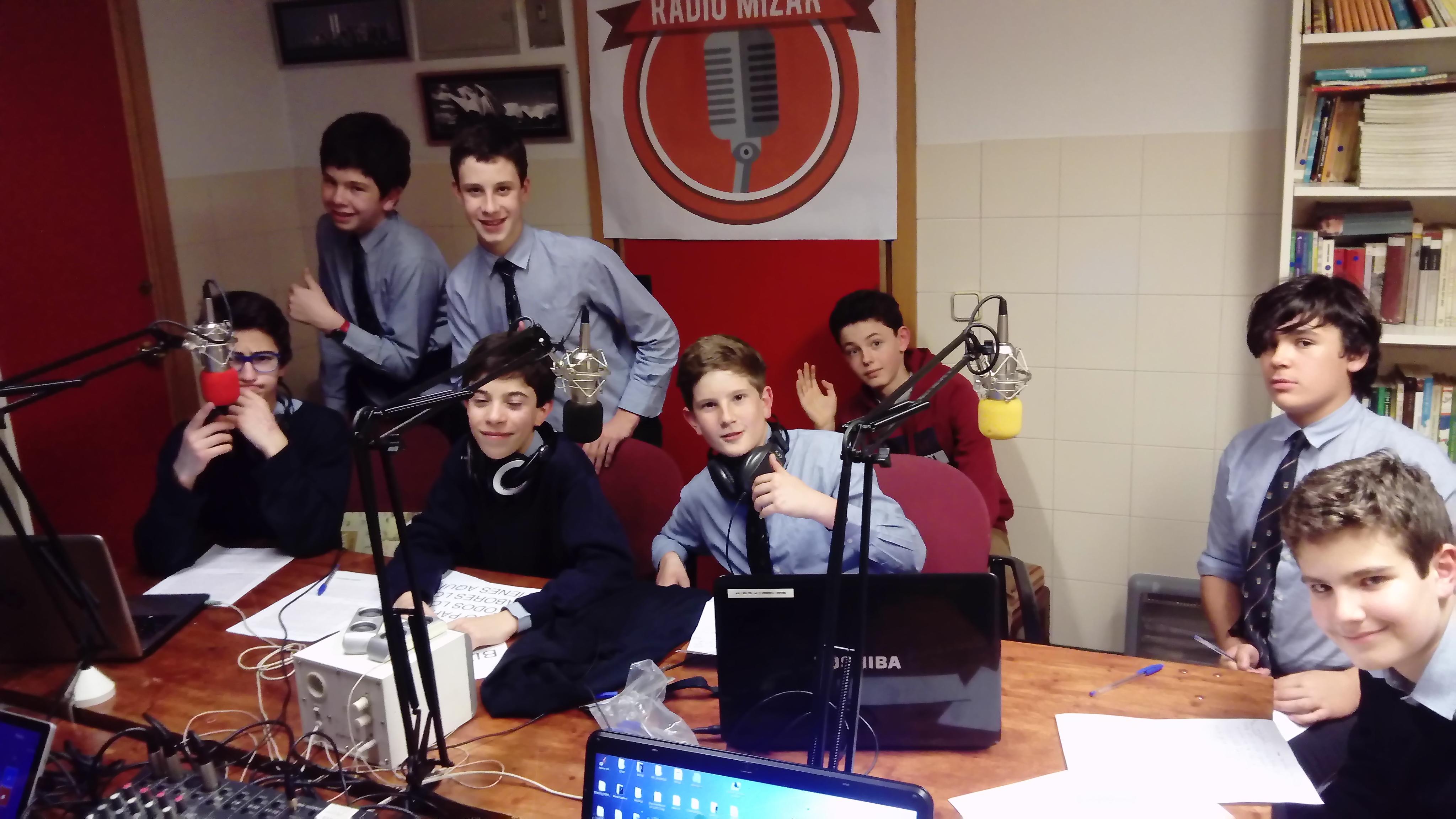 Escucha los programas de radio de 2º de ESO